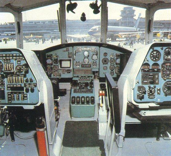Вертолет построен по одновинтовой схеме с рулевым винтом и трехстоечным неубирающимся в полете колесным шасси.